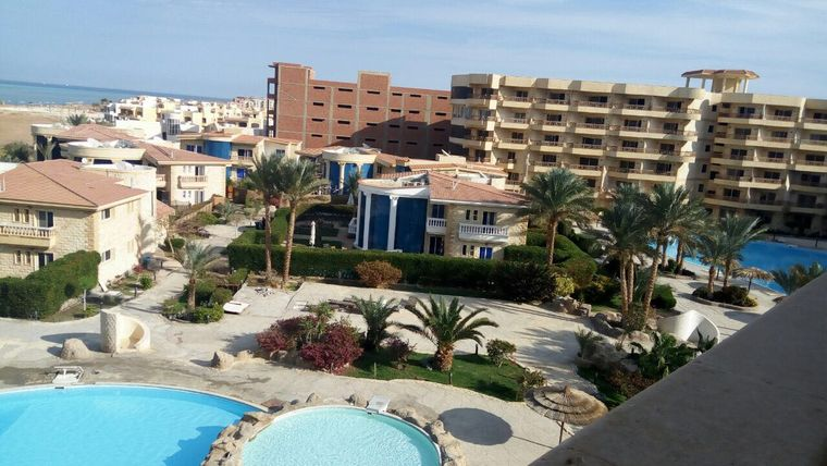 Luxury apartments in the residential complex Palma Resort | with pool and beach